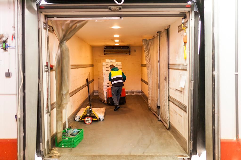 Conheça as diferenças entre os equipamentos acoplados e elétricos de refrigeração